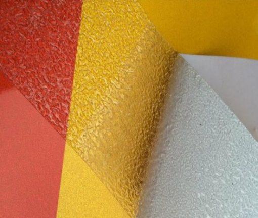 cinta antideslizante transparente para suelos húmedos