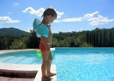 Sin peligrosos resbalones en la piscina